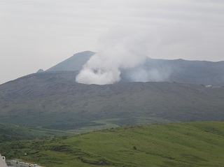 阿蘇の噴火.jpg