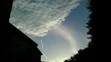 雲から出る2.jpg
